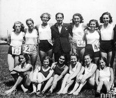 The female athletics section of the Jewish Sports Club Makkabi Krakow (1934.).