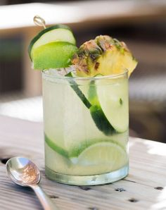 15 Refreshing Summer Cocktails You Can Make with Tequila - Summer Drinks - Cocktail Refreshing Summer Cocktails, Easy Cocktails, Summer Drinks, Cocktail Drinks, Cocktail Recipes, Summertime Drinks, Summer Food, Party Drinks, Drink Recipes
