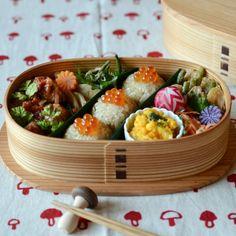Locariお弁当コンテストで「和弁当賞」を頂きました! Bento Recipes, Vegetarian Recipes, Cooking Recipes, Japanese Dinner, Japanese Food, Hotel Food, Asian Recipes, Ethnic Recipes, Bento Box Lunch
