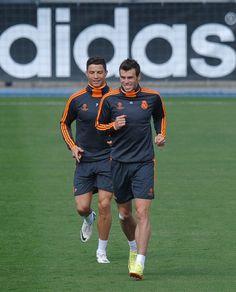 Cristiano Ronaldo and Gareth Bale Photos - Real Madrid CF v Elche FC - Zimbio