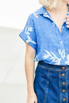 How To Style A Blue Hawaiian Shirt For Summer - Poor Little It Girl