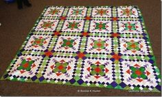 pattern by bonnie hunter (easy street) Scrappy Quilts, Easy Quilts, Pattern Blocks, Quilt Patterns, Block Patterns, Panel Quilts, Quilt Blocks, Quilting Designs, Quilting Ideas