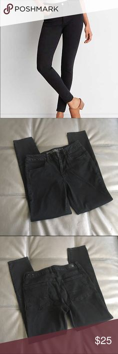 American eagle black hi-rise jegging super stretch Black hi rise jegging super stretch, euc! No stains or holes, clean and smoke free home. Power fit super stretch denim. Advanced body contouring that wont bag out. Designed to lift the butt and contour the leg. American Eagle Outfitters Jeans Skinny