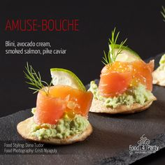 Blini avocado salmon pike caviar Salmon Avocado, Avocado Cream, Smoked Salmon, Avocado Toast, Mini Appetizers, Appetisers, Caviar, Food Styling, Food Photography