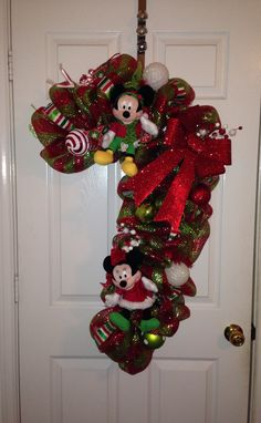 christmas disney mickey mouse wreath