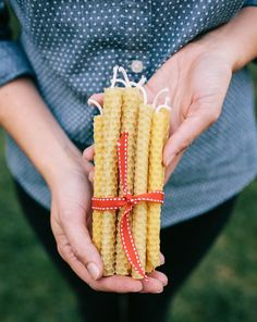 Yes, you can make your own beeswax candles with this DIY!