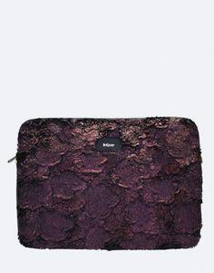 funda-portátil-pelo-burdeos Michael Kors Jet Set, Bags, Collection, Fashion, Notebook Covers, Bordeaux, Plushies, Hair, Handbags