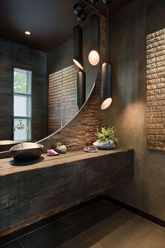 Bancada de banheiro em tora de madeira