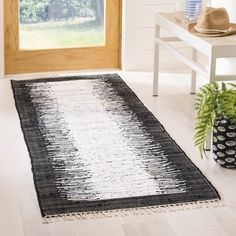 Safavieh Handmade Flatweave Montauk Nevyana Casual Cotton Rug x Runner - Ivory/Black) Rug Size Guide, Area Rug Sizes, Washable Rugs, Fashion Room, Outdoor Area Rugs, Online Home Decor Stores, Woven Rug, Rug Making, Colorful Rugs