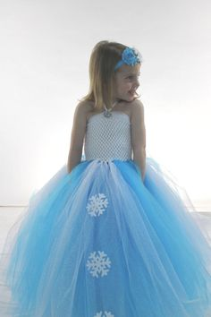 Queen Elsa tutu dress, Frozen Disney Princess dress, costume, dress up, birthday party, pictures, photo prop, snowflake gown  4T 5T