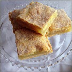 The Game Bird Food Chronicles: Apple Shortcake Squares Apple Recipes Easy, Apple Dessert Recipes, Sweet Recipes, Apple Ideas, Tray Bake Recipes, Baking Recipes, Baking Tips, Apple Shortcake, Apple Pie Cake