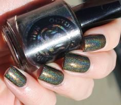 Amanda and Nichole live on opposite coasts, but share a love of nail polish and makeup. Holo Nail Polish, Holographic Nail Polish, Nail Polish Designs, Party Nails, Chimera, Beauty Review, Octopus, Natural Light, Bath And Body