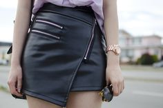 Diy asymmetrical leather skirt with zippers Faux Leather Skirt, Leather Dresses, Leather Skirts, Fall Fashion Trends, Autumn Fashion, Fashion Ideas, Asymmetrical Skirt, Types Of Fashion Styles, Spring Summer Fashion