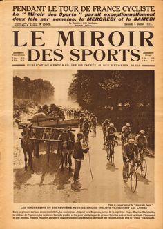 Tour de France 1925. 29-06-1925, 7^Tappa. Bordeaux - Bayonne. Eugène Christophe (1885-1970) guida il gruppo, alle sue spalle, con la maglia tricolore di campione di Francia, Francis Pellissier (1894-1959) [Le Miroir des Sports] (www.cyclingpassions.eu)