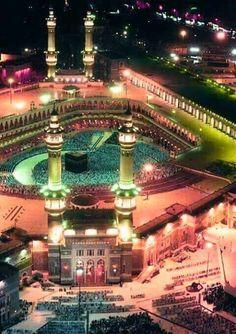 Pearls Of Naseeha — Masjidil Haram always amaze me, subhan Allah! Masjid Haram, Mecca Masjid, Mecca Islam, Islamic Images, Islamic Pictures, Islamic Art, Islamic Gifts, Alhamdulillah, Journey To Mecca