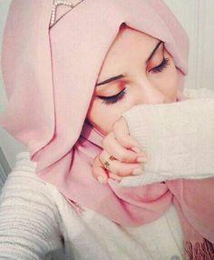 Love this pic of me xx Cute Girl Poses, Girl Photo Poses, Girl Photography Poses, Cute Girl Photo, Cute Girl Face, Beautiful Girl Photo, Muslim Girls Photos, Girl Photos, Stylish Girls Photos