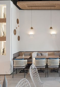 Cozy office cafe in small space 18 - Home Decor Coffee Shop Interior Design, Coffee Shop Design, Restaurant Interior Design, Cafe Design, Cafeteria Design, Deco Restaurant, Café Bar, Shop Interiors, Home And Deco
