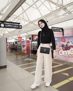 Hijab Fashion Casual, Stylish Hijab, Street Hijab Fashion, Casual Hijab Outfit, Muslim Fashion, Casual Outfits, Fashion Outfits, Ootd Hijab, Classy Outfits