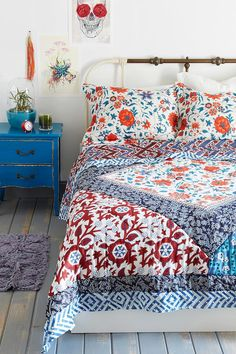 Magical Thinking Farmhouse Floral Quilt #urbanoutfitters