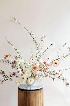 Exuberant tutored DIY wedding flower arrangements Get on your smart phone