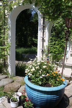 Eine Gartenecke wie aus dem Märchenschloss - Fairtale garden - Parkhotel am Soier See, Ammergauer Alpen, Bayern - Bavaria
