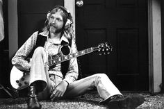 October 29, 1971 – Allman Brothers guitarist Duane Allman is killed when he crashes his motorcycle to avoid a truck in Macon, Ga.  RIP Duane.