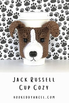 Can you handle the tail wag-worthy cuteness of this Jack Russell Terrier coffee cup cozy crochet pattern?! Make this realistic canine creation for yourself or any Jack Russel lover and they will think you're paw-some! You will never have so much fun crocheting! Crochet Coffee Cozy, Coffee Cup Cozy, Crochet Cozy, Unique Crochet, Tea Cozy, Crochet Cat Pattern, Crochet Patterns, Coffee Cozy Pattern, Fast Crochet