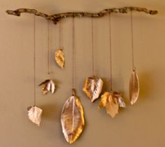 Fall Mobile -- made with a little spray paint and real leaves...I am LOVING this!  Cannot wait to make one!