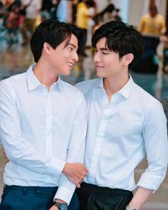for likes korean movie Cute Gay Couples, Cute Couples Goals, Isak & Even, Hot Korean Guys, Thai Drama, Cute Actors, Actor Model, Asian Actors, Series Movies