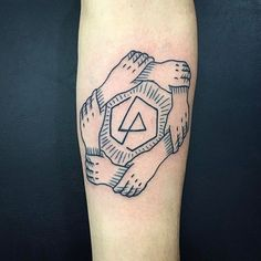 WOW, @andredecamargo got this neat logo as a TATTOO! lp #TrueLoveTattoo 11-20943383 ⚡⚡⚡ #linkinpark #band #tattoo #tatuagem #truelove #ruaaugusta #SP