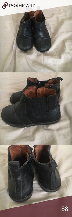Zara baby ankle boots Cutest little unisex zara baby ankle boots. Size 6.5. Zara Shoes Boots