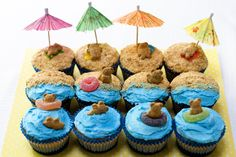 Beach Bear Cupcakes-Thanks, Gina Marie Bee, for sharing these. I'm going to ask some parents to provide the cupcakes FROM a store since we aren't allowed to have home-baked items and we'll decorate and enjoy on LAST DAY. Beach Cupcakes, Cute Cupcakes, Luau Party Cupcakes, Cute Cupcake Ideas, Summer Themed Cupcakes, Fish Cupcakes, Tropical Cupcakes, Hawaian Party, Cupcakes Decorados