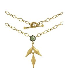 Cathy Waterman Green Sapphire Bezel Flex Wheat Charm Necklace ($2,590) ❤ liked on Polyvore featuring jewelry, necklaces, hand crafted jewelry, sparkly necklace, toggle charm necklace, charm necklaces and handcrafted necklaces