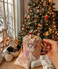 45 x leuke dingen om te doen in december - Suzanne Elisa Cosy Christmas, Christmas Feeling, Days Until Christmas, Merry Little Christmas, Christmas Lights, Christmas Holidays, Christmas Decorations, Christmas Porch, Country Christmas