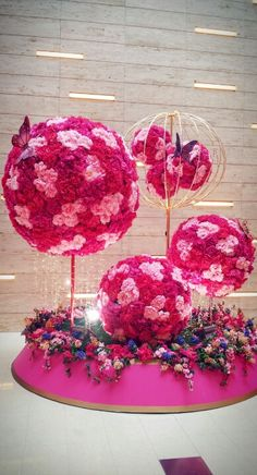 CNY Chinese New Year Decorations, New Years Decorations, Festival Decorations, Flower Decorations, Chinese Interior, Instalation Art, Wedding Reception Flowers, Lighting Concepts, Florist Supplies