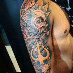 "Studio Kill Tattoo on Instagram: ""#Repost @bterra.tattoo (@get_repost) ・・・ Poseidon / Netuno . 📲 Orçamentos e agendamentos por WhatsApp 21 97541-1385 . . #poseidontattoo…"" Poseidon Tattoo, Tattoo On, Sleeve Tattoos, Things To Sell, Instagram, Ideas, The Beach, Trident, Tattoo Sleeves"