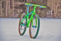 Singletrack Forum: Best paint job ever - Post by Talkemada Bicycle Paint Job, Bicycle Painting, Gt Bikes, Cool Bikes, Triumph Cafe Racer, Retro Bike, Cycling Bikes, Cycling Art, Cycling Jerseys