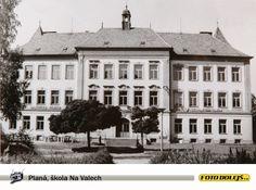 Planá, Škola Na Valech okolo roku 1986