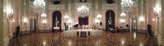 """Auch dieses Jahr fand der mittlerweile 11. Maskenball des """"Lions Club Wien Arte"""" im Palais Auersperg statt - begleitet vom Wiener Residenzorchester. Mit dem Reinerlös wird die Aktion """"Licht ins Dunkel"""" unterstützt. - Rosenkavaliersaal - Orchesterbühne Lions Club, Masquerade Ball, Light In The Dark, Orchestra, Action"""