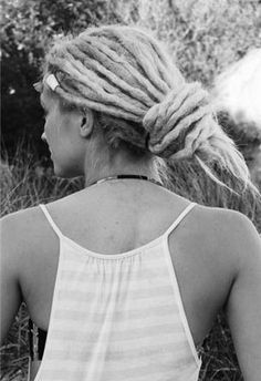 i can't wait until i can tie my hair like this.