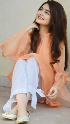 Discover thousands of images about Kainat Stylish Dresses For Girls, Stylish Dress Designs, Stylish Girls Photos, Stylish Girl Pic, Girls Dresses Sewing, Pakistani Fashion Casual, Pakistani Dresses Casual, Pakistani Dress Design, Beautiful Pakistani Dresses