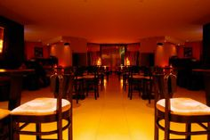 Seafood Restaurants | Restaurantes de Mariscos | Los Mejores ... Seafood Restaurant, Conference Room, Bar, Table, Furniture, Home Decor, Restaurants, Meeting Rooms, Tables