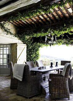 How Does Pergola Provide Shade Outdoor Rooms, Outdoor Dining, Outdoor Gardens, Outdoor Decor, Indoor Outdoor, Dining Table, Ar Fresco, Terrasse Design, Gazebos