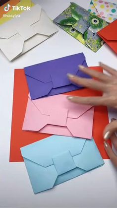 Cool Paper Crafts, Paper Crafts Origami, Diy Paper, Paper Art, Diy Crafts Hacks, Diy Crafts For Gifts, Diy Home Crafts, Instruções Origami, Origami Envelope Easy