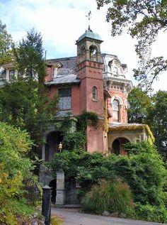 Italianate Villa -  Packer Mansion