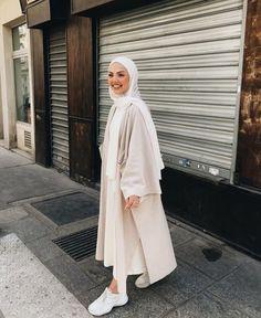 onjour 🥐🥐🥐 this bombass kimono is from 🙏? Modern Hijab Fashion, Street Hijab Fashion, Abaya Fashion, Muslim Fashion, Modest Fashion, Look Fashion, Modest Outfits Muslim, Hijab Casual, Hijab Outfit