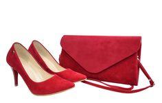 Krwisto czerwony zestaw. Zamszowe czerwone czółenka i torebka zamszowa Roseti Peeps, Peep Toe, Shoes, Fashion, Moda, Zapatos, Shoes Outlet, Fashion Styles, Fasion