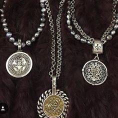Posting soo many goodies 🙌🏼😻 Coin Jewelry, I Love Jewelry, Heart Jewelry, Stone Jewelry, Jewelry Art, Antique Jewelry, Jewelery, Silver Jewelry, Jewelry Design