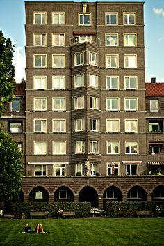 Das Hochhaus Glückauf in Hannover Südstadt wurde 1930 fertiggestellt. Standort des denkmalgeschützten Hochhauses ist der Geibelplatz 5 im Stadtteil Südstadt.