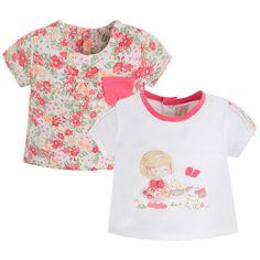 Die beiden Kurzarmshirts für Mädchen sollten diesen Sommer in keinem Kleiderschrank fehlen. Ein Shirt ist mit tollen Blumenprints versehen und das andere Shirt hat ein süßes Mädchen mit Hündchen aufgedruckt. Beide T-Shirts haben hinten am Rücken eine durchgehende Druckknopfleiste für einfaches An- und Ausziehen. erhältlich in den Größen 62 - 74 statt € 28,95 jetzt um nur € 19,99 NUR SOLANGE DER VORRAT REICHT! Kind Mode, Floral Tops, Crop Tops, Beide, Manga, Fashion, Kids Fashion, Nightgown, Little Girl Clothing